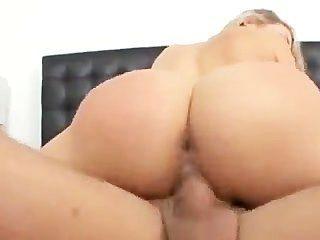 मिया Malkova उसकी stepdad fucks