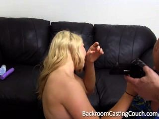 बिच Assfuck और creampie कास्टिंग