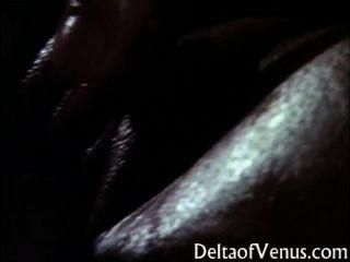 क्लासिक सेक्सी एशियाई महिला - तेल की मालिश और सेक्स