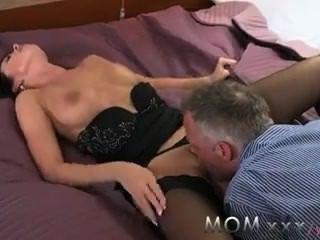 माँ सींग का बना श्यामला भावुक सेक्स जो गंदे हो रही प्यार करता है