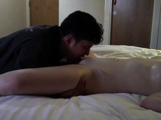 छेड़ा और अंत में एक संभोग सुख जब तक tantalised।