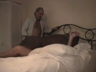 Cuckolds पत्नी काले बैल द्वारा कठिन गड़बड़