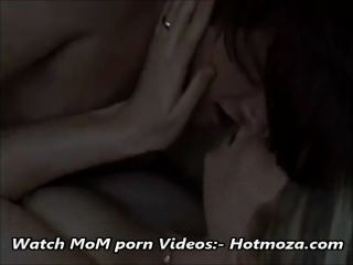 कदम बेटा कमबख्त सौतेली माँ जबकि पिता पर पूरी वीडियो बाहर है - hotmoza.com