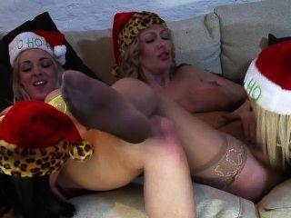 बेथ, विक्टोरिया ग्रीष्मकाल, चमेली जॅ, Chessie Kay, लेह डार्बी समलैंगिक नंगा नाच