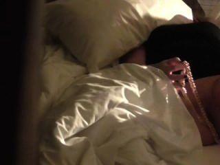 छिपे हुए कैमरे से पकड़ा हस्तमैथुन Hotell कमरे