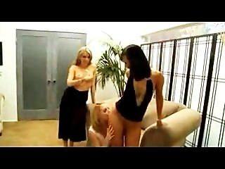 कोर्टनी Cummz, Lexi गोरी और एशियाई दोस्त lezzie groupsex