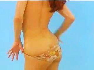 Bettie Ballhaus तेल उसे रसदार स्तन