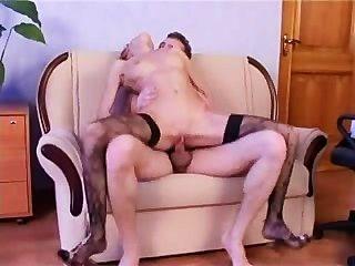 काले मोज़ा में गड़बड़ रूसी लड़की