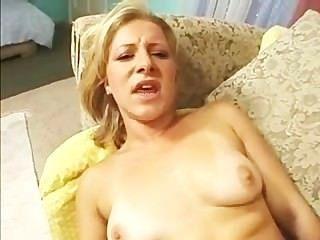 संयुक्त राज्य अमेरिका में एक रूसी लड़की के लिए यह बड़ा प्यार करता है!