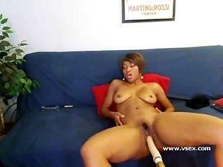 आबनूस Imani के साथ सेक्स मशीन वेब कैमरा गुलाब