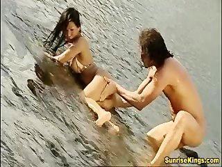 एशियाई बड़े स्तन कठिन बकवास और चेहरे का बच्चा