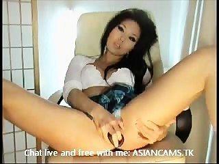 सुपर गर्म बड़े स्तन अलग करना और हस्तमैथुन के साथ एशियाई
