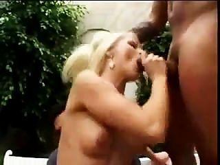 निकी काला लंड की जरूरत