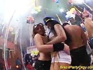 सेक्सी सींग लड़कियां साथ ब्राजील पार्टी समूह कट्टर सेक्स