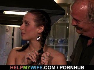 गर्म पत्नी बेकार है और अजनबी fucks