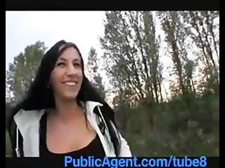 PublicAgent श्यामला hotty मेरी कार पर रखी जाती है