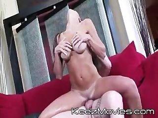 राक्षस स्तन 02 - दृश्य 3 - विष - हंटर Bryce