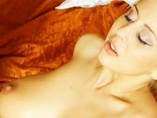 mandy_dee-SOCIAL_NETWORK