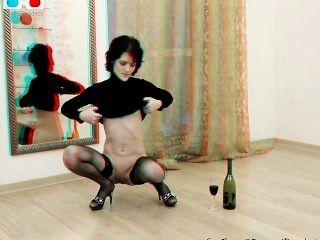 शर्मीली एमआईएलए खुद fisting और उसे बिल्ली में बोतल डालने - 3 डी मंच के पीछे