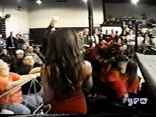 बेला ST।क्लेयर एक ब्रा और पैंटी मैच WWE में georgeous जॉर्ज पर ले जा रही है
