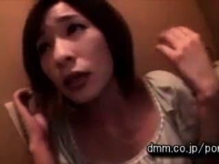 Kasumi कहो - शौचालय में गड़बड़ सह कार्यकर्ता द्वारा