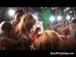 बड़े स्तन ब्राजील लड़कियां बड़े लंड हो रही कठिन गड़बड़