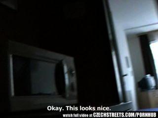 चेक सड़कों - युवा किशोरों की लड़की होटल के कमरे में मुश्किल यह हो जाता है
