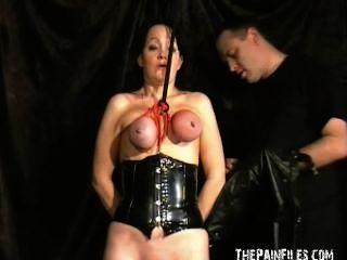 चरम परिपक्व गुलाम लड़कियों कलगी वाले स्तन बंधन और शातिर तैसा यातना