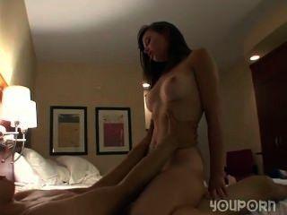 एक होटल के कमरे में कट्टर सेक्स