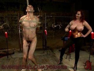 संचिका redheaded देवी teases और नए slaveboy का उपयोग करता है