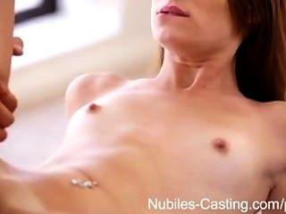 लेस्बियन काल्पनिक पुरुष के साथ सेक्स में बदल जाता है - फिल्मों Nubiles