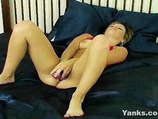 सेक्सी किशोरों dildo और उंगली पीटने