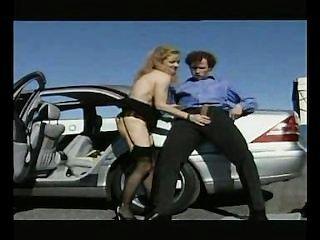 पार्किंग में drilled परिपक्व वेश्या