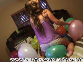 सामन्था पहला वीडियो कभी popping गुब्बारा में गर्मियों