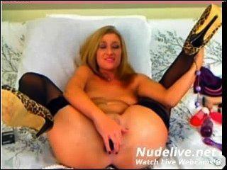 वेब कैमरा हस्तमैथुन - भयानक शरीर के साथ सुपर गर्म किशोरों की लड़की