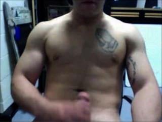 पेशी Jarhead दोस्त - डिल्डो - cums - अपने मांसल मांसपेशियों flexes!लानत है!