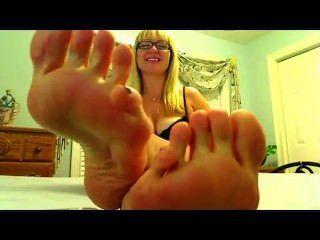 पैर देवी तलवों