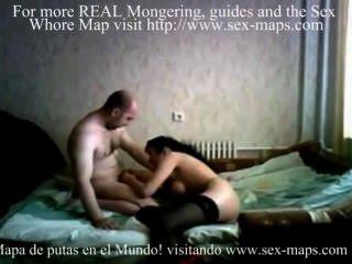वेबकैम पर वेश्या के साथ पुरुष