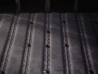 चादर के बीच (1982)
