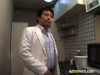 creampie एशियाई यूरी Kousaka प्राप्त फेशियल और दे दी है