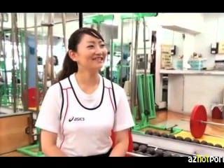 जापानी एथलीट भारोत्तोलन सुंदरता