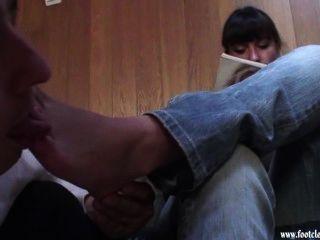 footcleaningcaffe-पढ़ने और पैर चाट 01