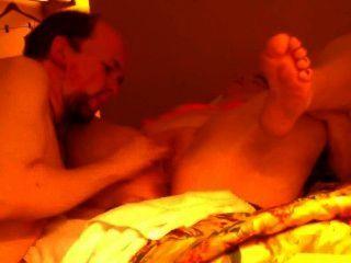 होटल के कमरे में एस्कॉर्ट के साथ सेक्स