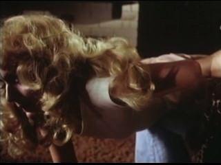 1979 - दो बहनों - अनूठे दृश्य