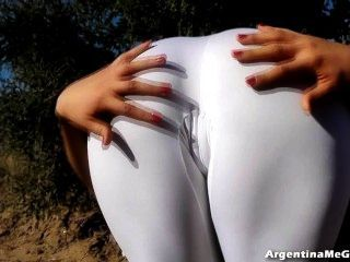 अद्भुत शरीर किशोर!अल्ट्रा तंग सफेद स्पैन्डेक्स सही गधा में!