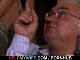 पुराने पति बकवास उसकी मीठी पत्नी घड़ियां