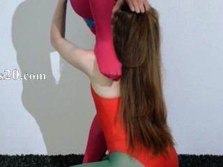 नायलॉन अधोवस्त्र में बालों समलैंगिकों प्यार