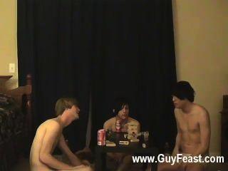 समलैंगिक सेक्स ट्रेस और विलियम उनके ताजा दोस्त ऑस्टिन के साथ संयुक्त रूप से अधिग्रहण