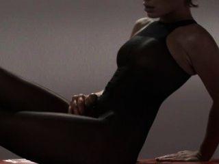 Pantyhose Masturbating में चिकना राजकुमारी