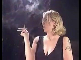 सेक्सी धुआं